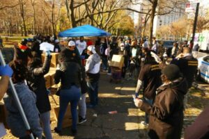 Hezekiah Walker And Feed The Hope Give Food To 1,000 New York Families
